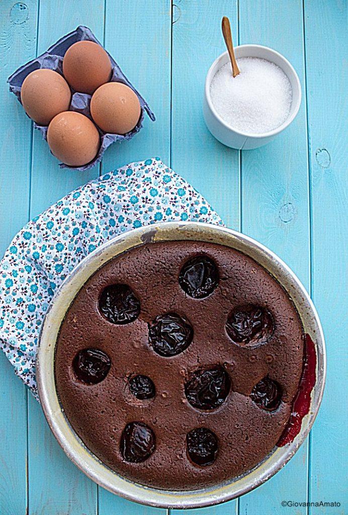 Cake Morbido al cioccolato e prugne 007