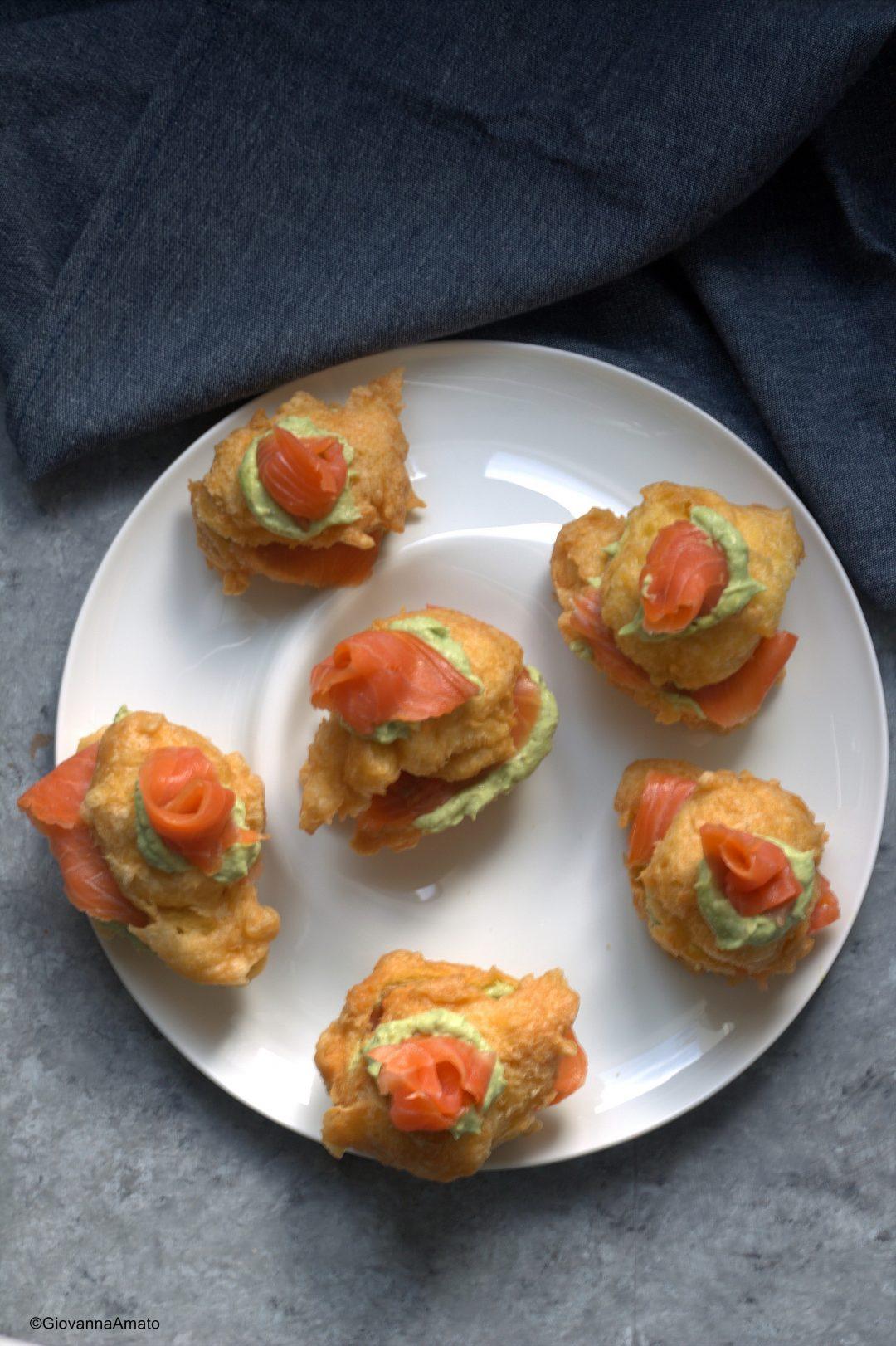 Sfince-salate-mousse-avocado-salmone